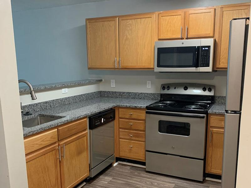 1 Bed 1 Bath Deluxe Kitchen | Retreat at Stonecrest Apartments