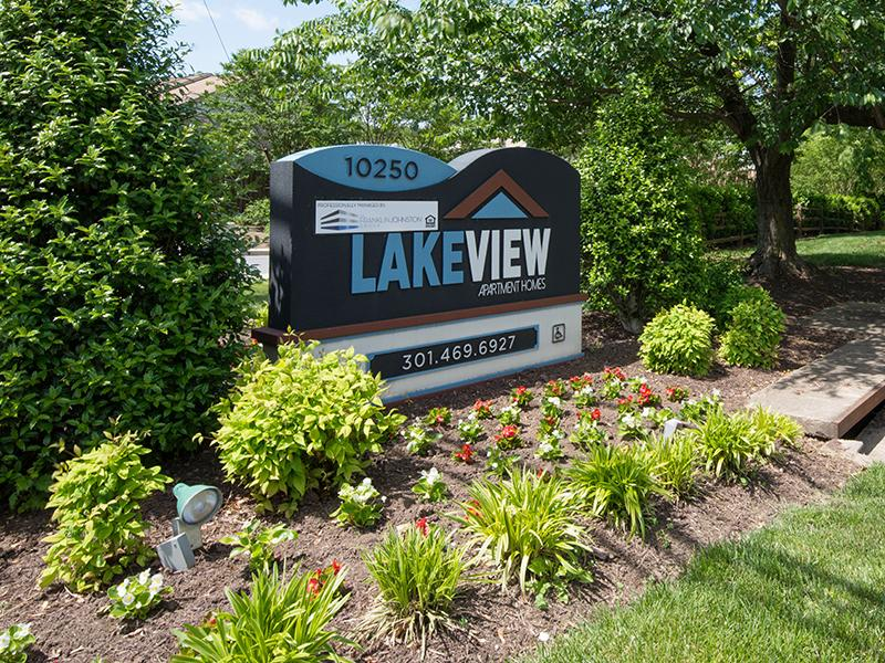 Sign | Lakeview Apartments