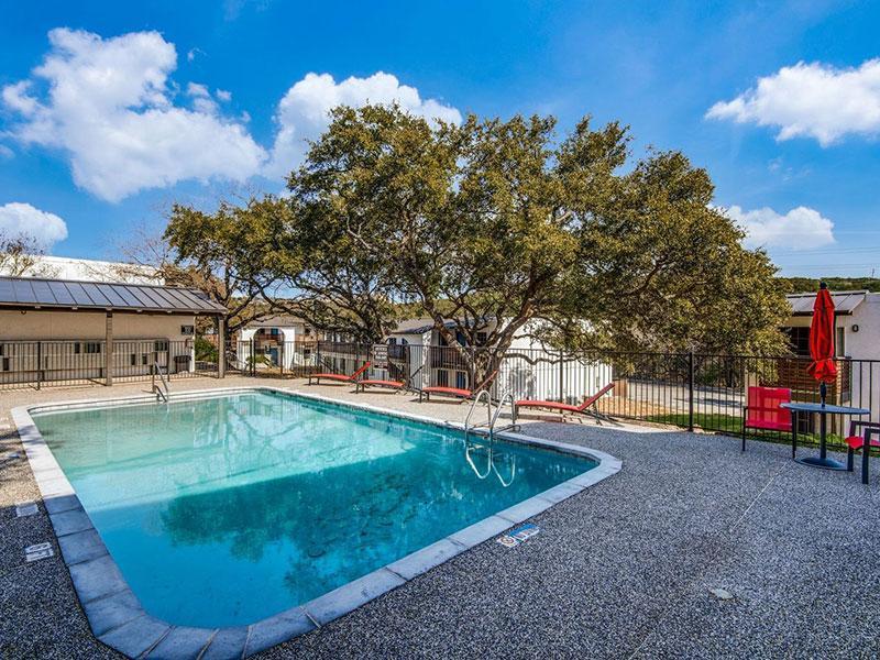 Sky Vue | Beautiful Pool | Apartments San Antonio