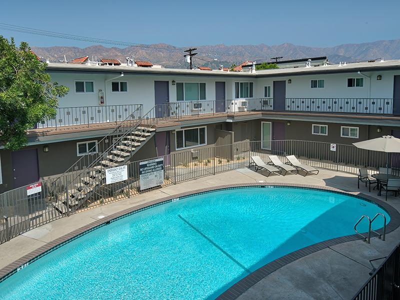 Swimming Pool | Luxe at Burbank