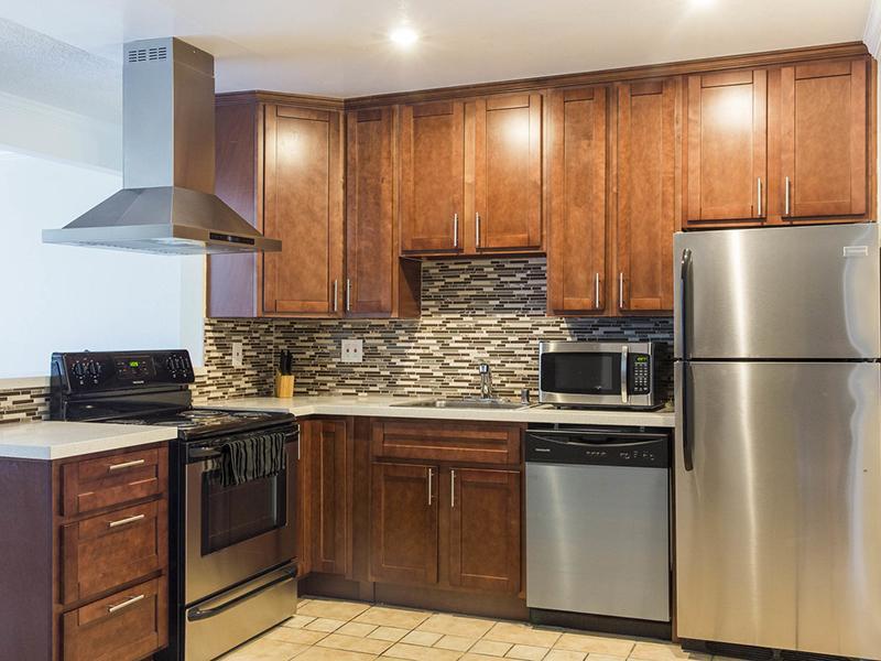 Kitchen | Sunset Pines Apartments