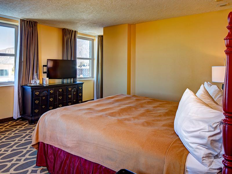 Bedroom |  Bigelow Apartments in Odgen