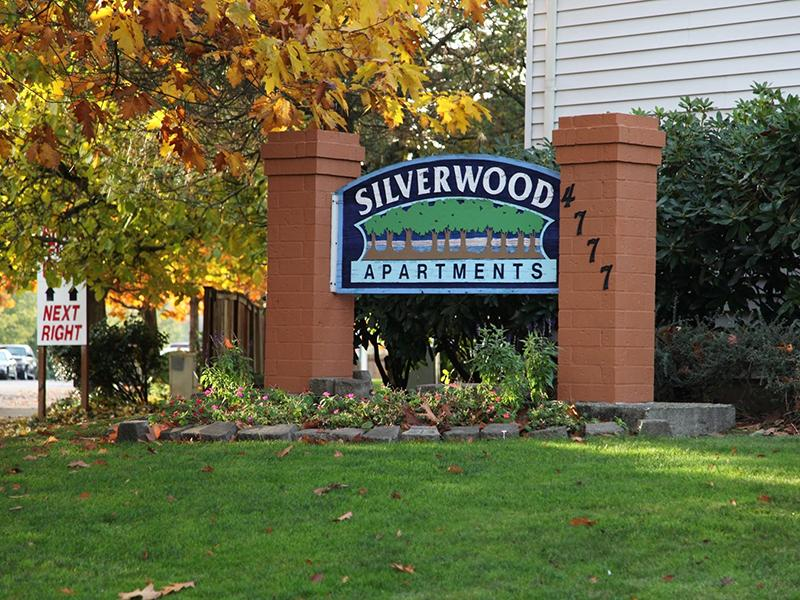 Welcome Sign | Silverwood Apartments in Gresham, OR