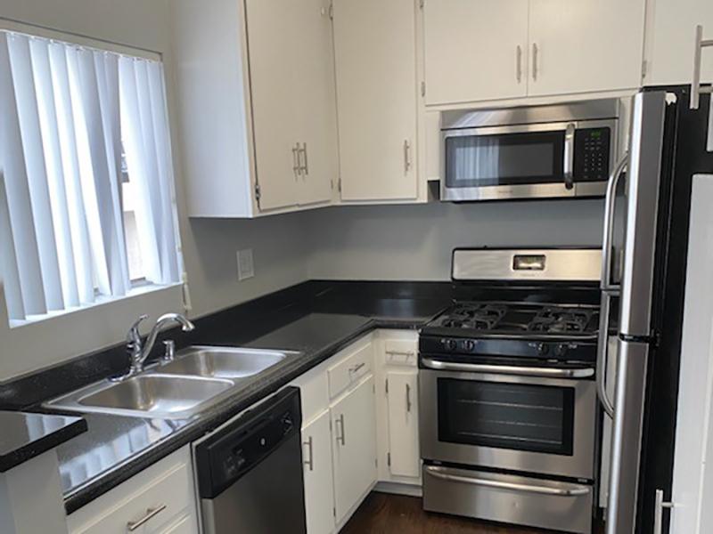 Kitchen | Studio City Midrise