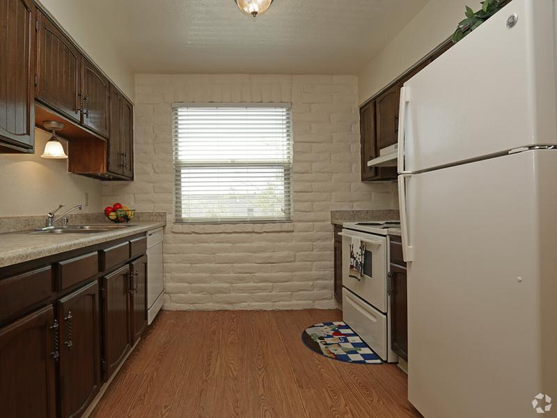 Kitchen | Kings Hill Apartments in El Paso