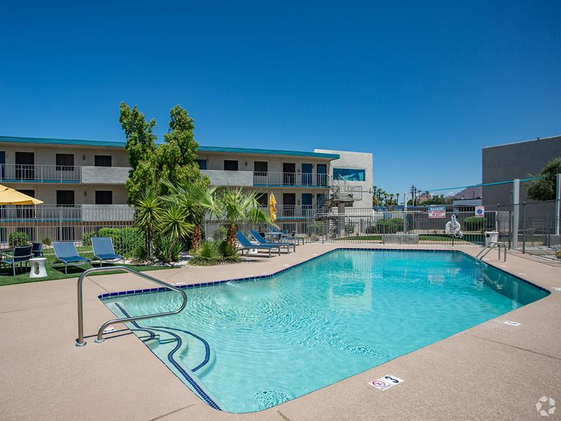 Swimming Pool | Avalon Apartments