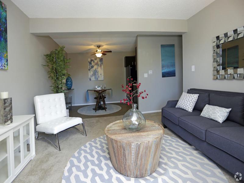 Aviator | Living room