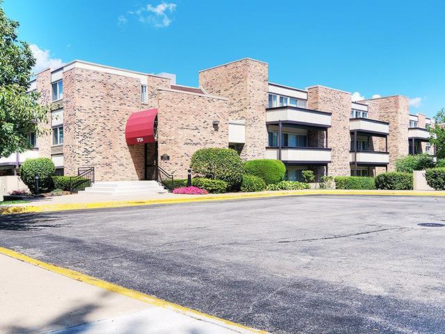 Fieldpointe Apartments in Schaumburg, IL
