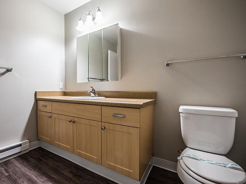 Bathroom | Sheridan Beach Terrace