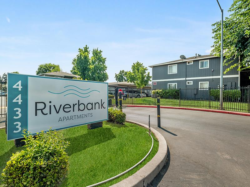 Welcome Sign   Riverbank Apartments