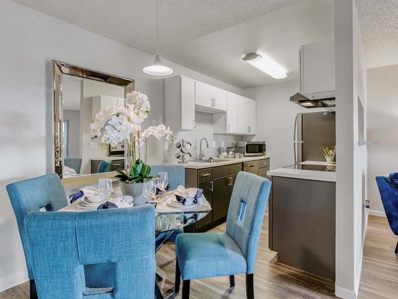 Westward Heights | Dining Area