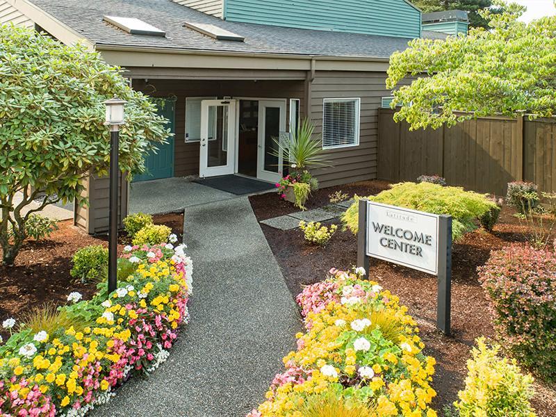 Latitude Apartments In Everett Wa 98204 Market Apartments
