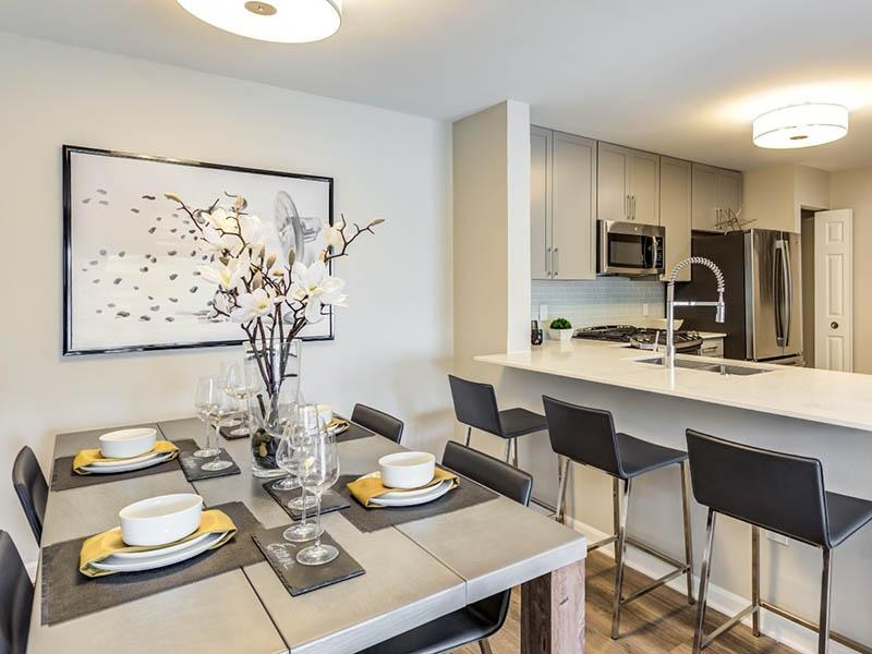Model Dining Room | Riverun at Naperville