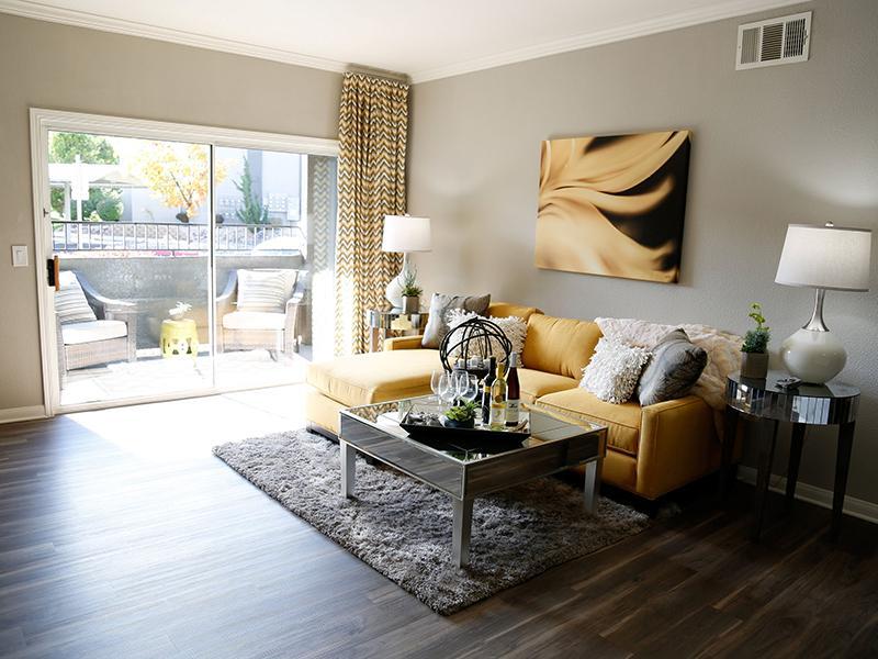 Living Room | High Rock 5300 in Sparks NV