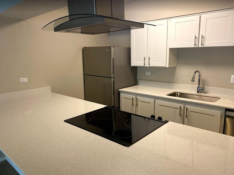 Kitchen | Falcon Run Apartments in Englewood