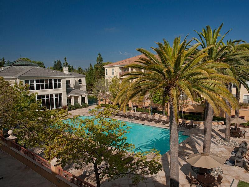 The Carlyle Apts in Santa Clara, CA