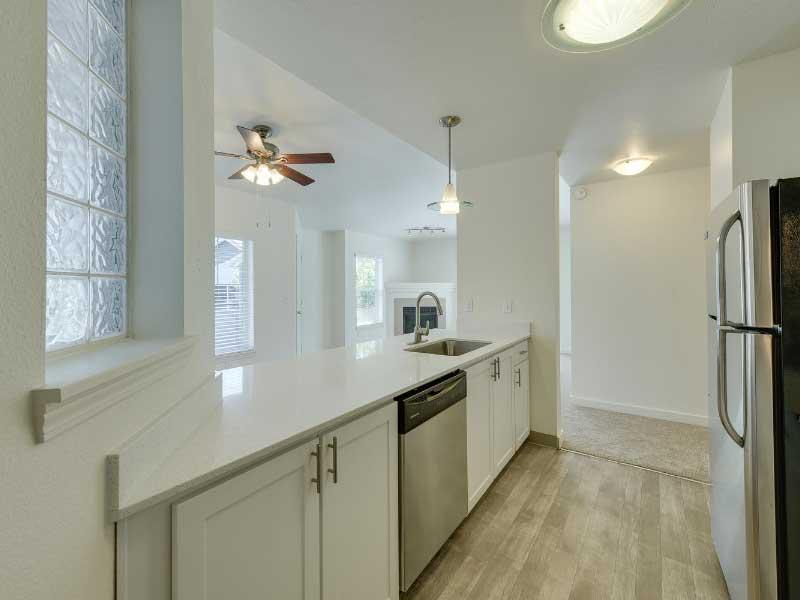 Apartment Kitchen | Sunfield Lakes Apartments