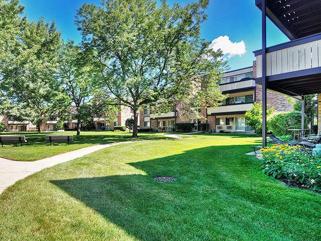 Fieldpointe Apartments Schaumburg, IL