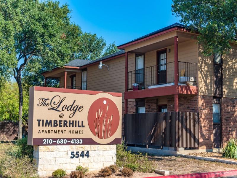 Lodge at Timberhill Sign