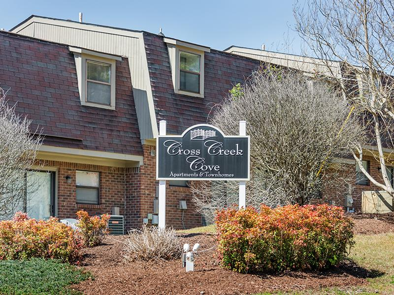 Welcome Sign | Cross Creek Cove