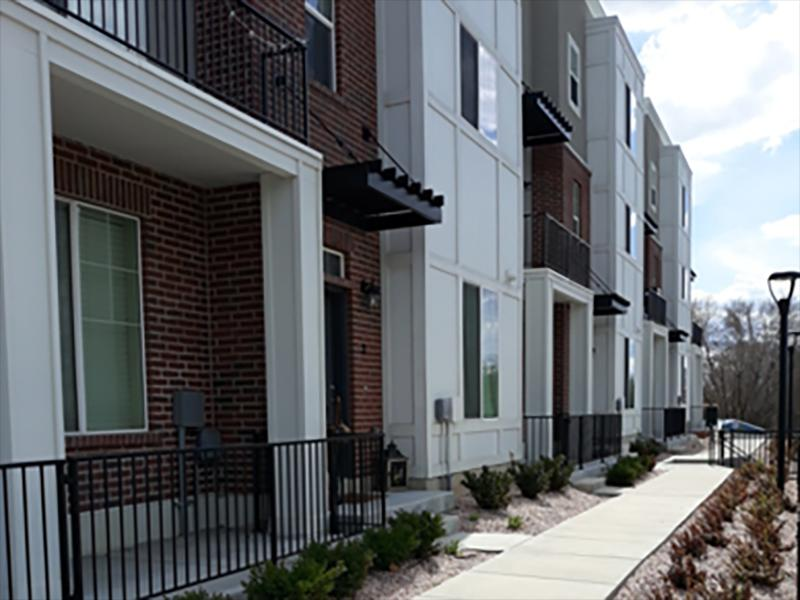 Exterior | Parkview Townhomes