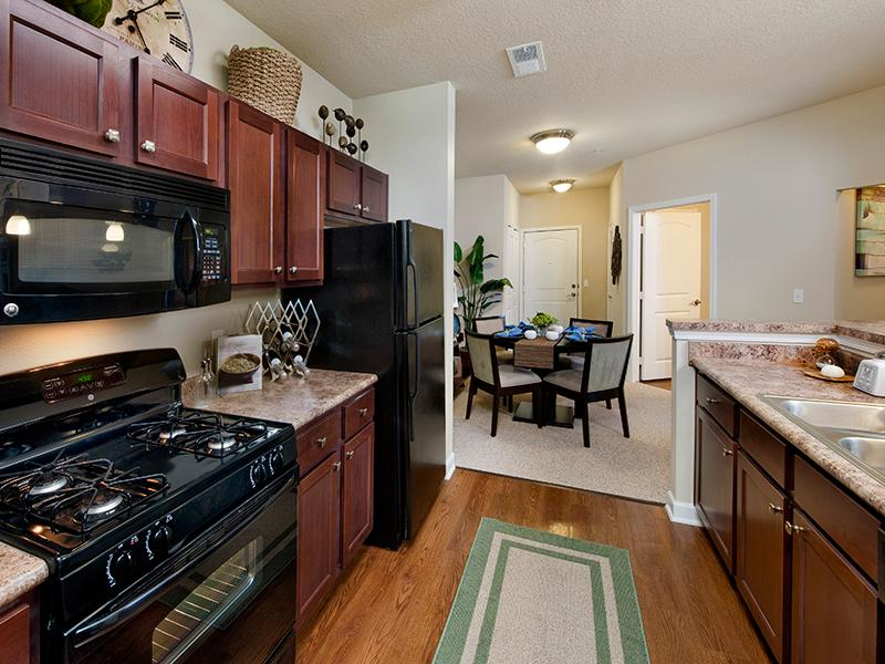 Fully Equipped Kitchen | The Park at Southwood Apartments in Tallahassee, Florida
