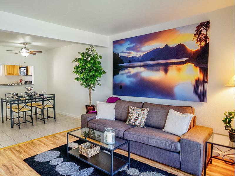 Interior - Front Room - Sun Valley Apartments - CA