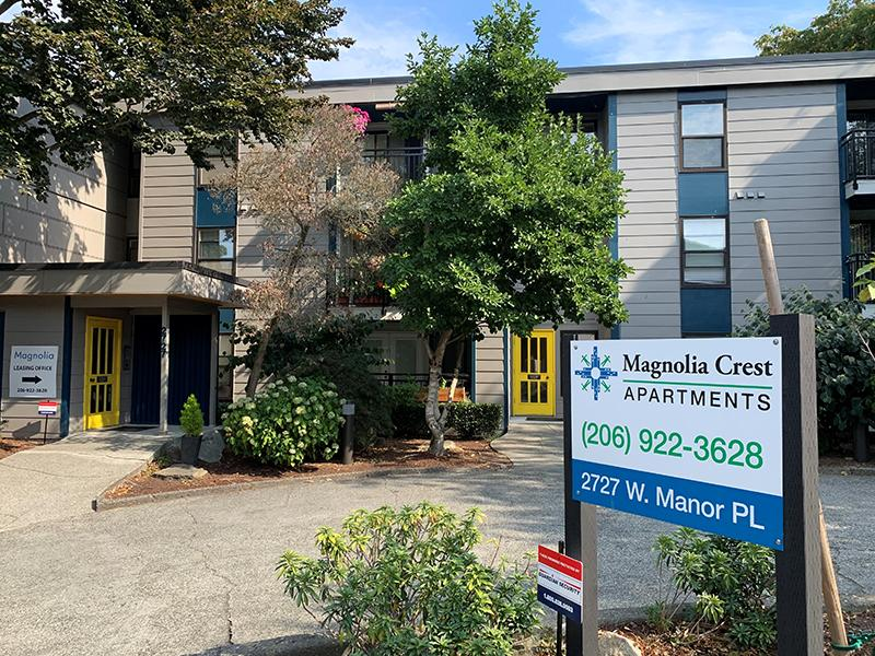 Exterior Welcome Sign | The Magnolia Apartments