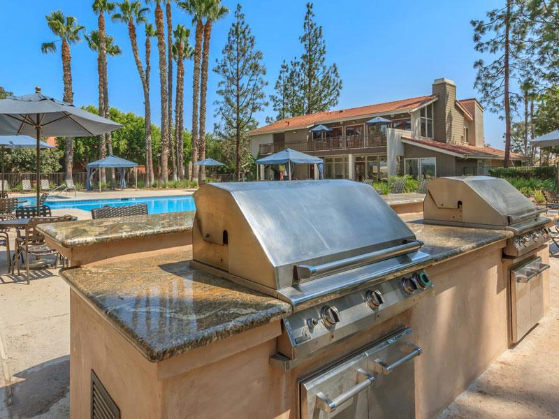 Apartments for rent in Corona CA | Parcwood Apartments Exterior Pool
