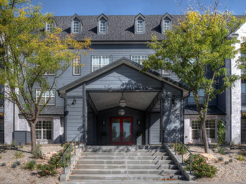 Downtown Apartments near Whole Foods | Braxton at Trolley Square Apartments