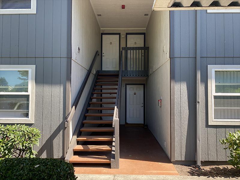 Apartment Entry | Andresen Park