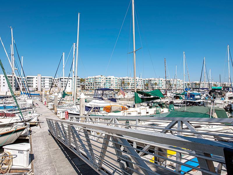 Harborside Marina Bay