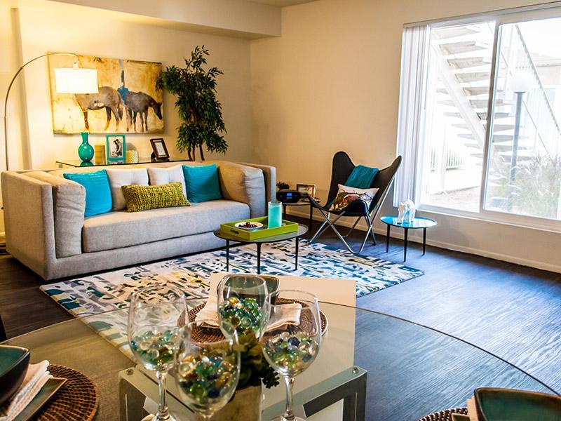 Living Room | Plaza 550