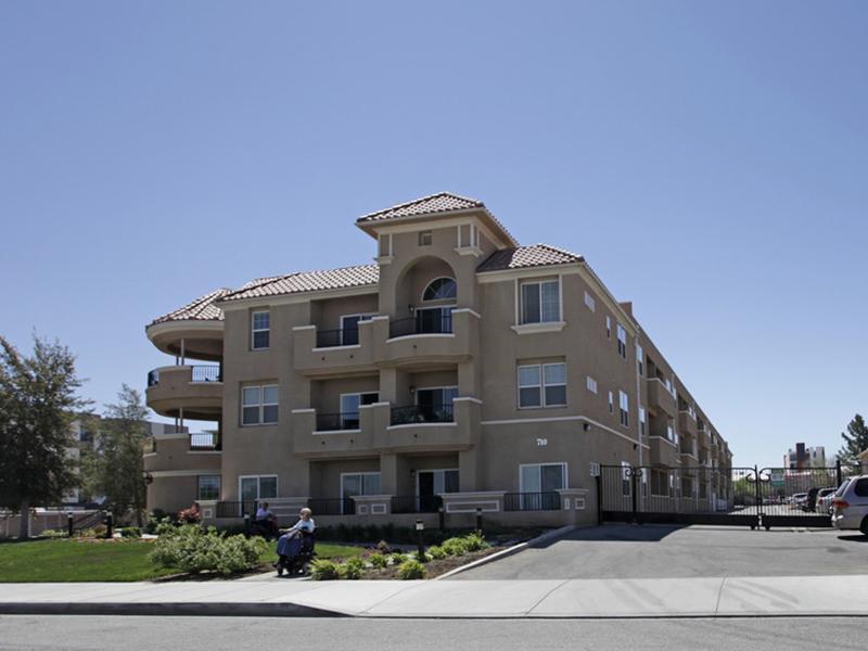 Arbor Gardens Apartments in Lancaster, CA