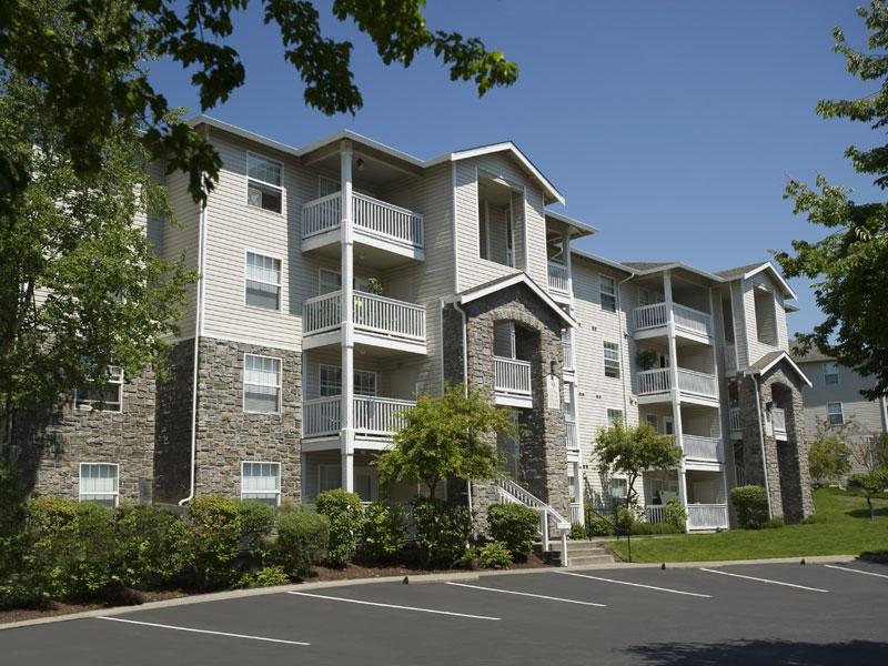 The Knolls at Inglewood Hill Apartments