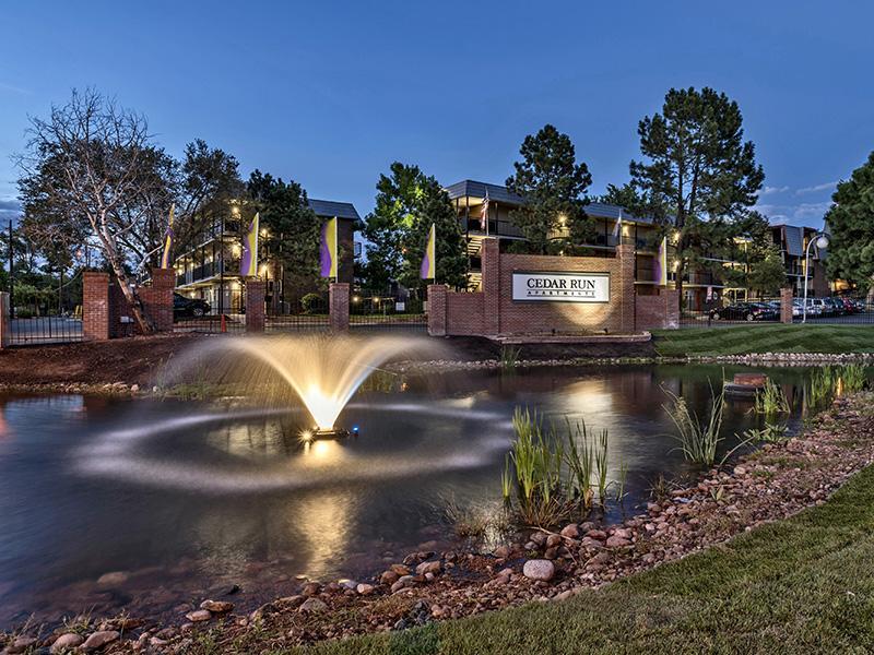 Outdoor Fountain   Cedar Run Apartments
