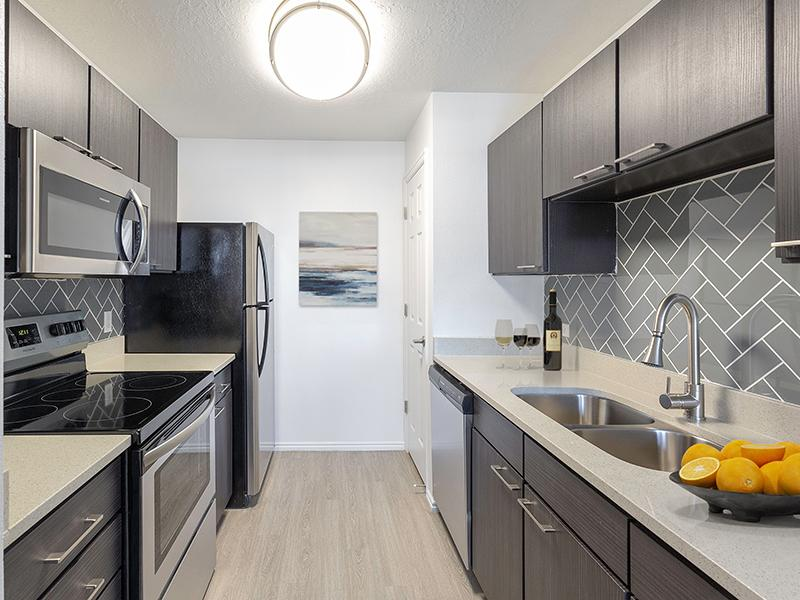 Kitchen | Woodgate Apartments