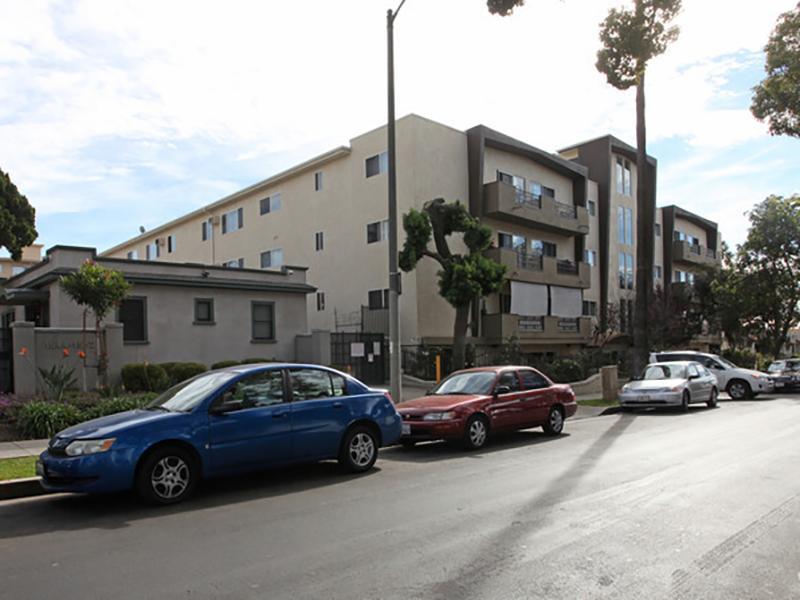 Exterior | Serrano Apartments