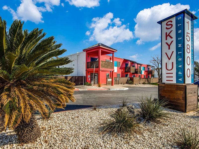 Sky Vue Apartments in San Antonio | Exterior