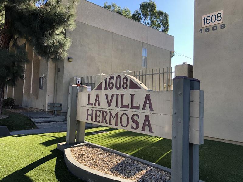 Monument Sign | Villa Hermosa Apartments