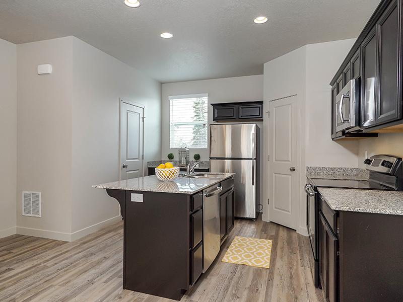 Kitchen | Parkview Townhomes