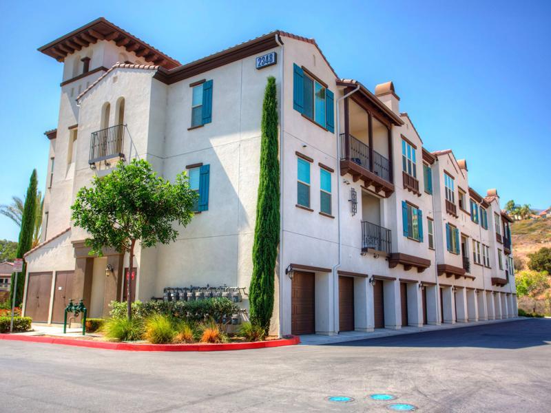 Palisades Sierra Del Oro Apartments | Apartments in Corona, CA