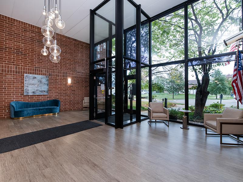 Entry | Centennial North Apartments in Mount Prospect, IL