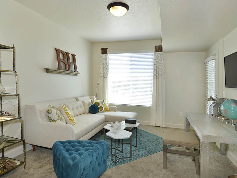 Front Room | Birkhill Apartments in Murray, UT