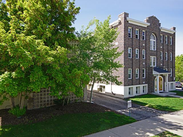The New Broadmoor Apartments, UT