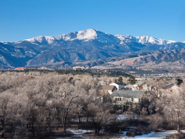Peaks at Woodmen Apartments in Colorado Springs, C