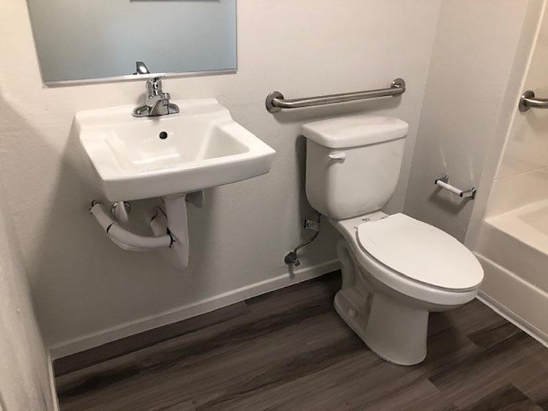 Sunrose Apartments Bathroom