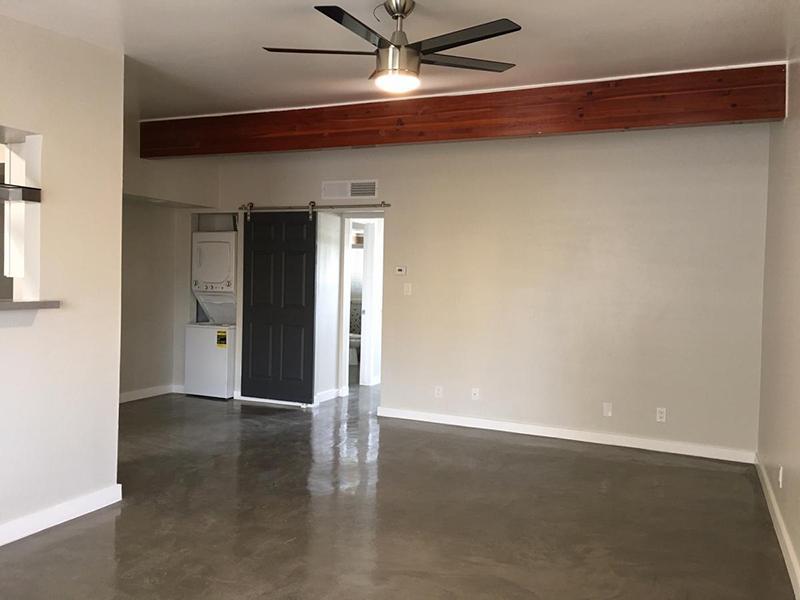 Living Room - Spacious - Apartments in Phoenix, AZ