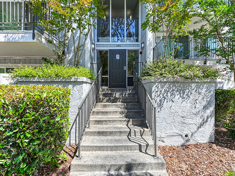Front Entrance | The Crossing at Wyndham Apartments in Sacramento, CA
