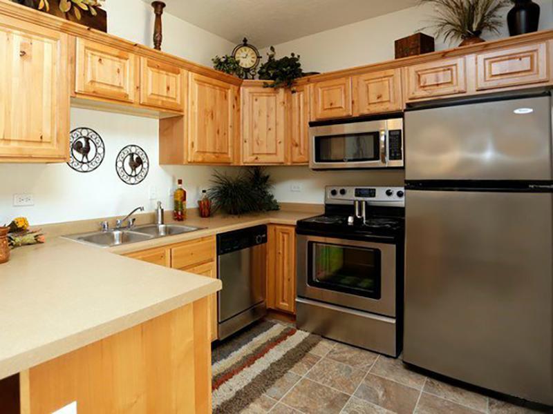 Kitchen | The Village at Silver Ridge
